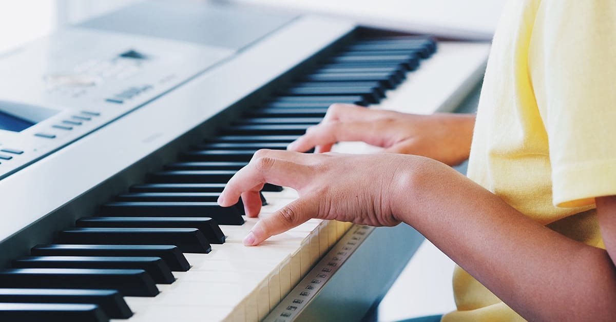 Best Beginner Keyboards for Learning Piano Featured Image