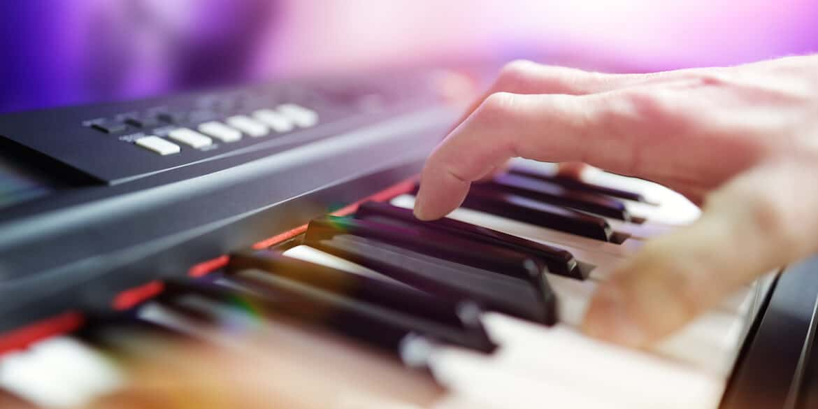 dos and donts for playing keyboard effectively in a band